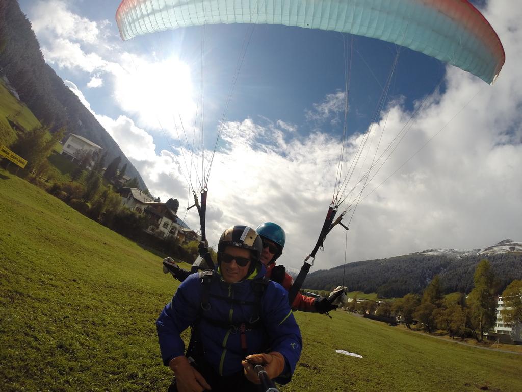 Name:  Joyride_Paragliding_Matt_0071.jpg Views: 2195 Size:  399.6 KB