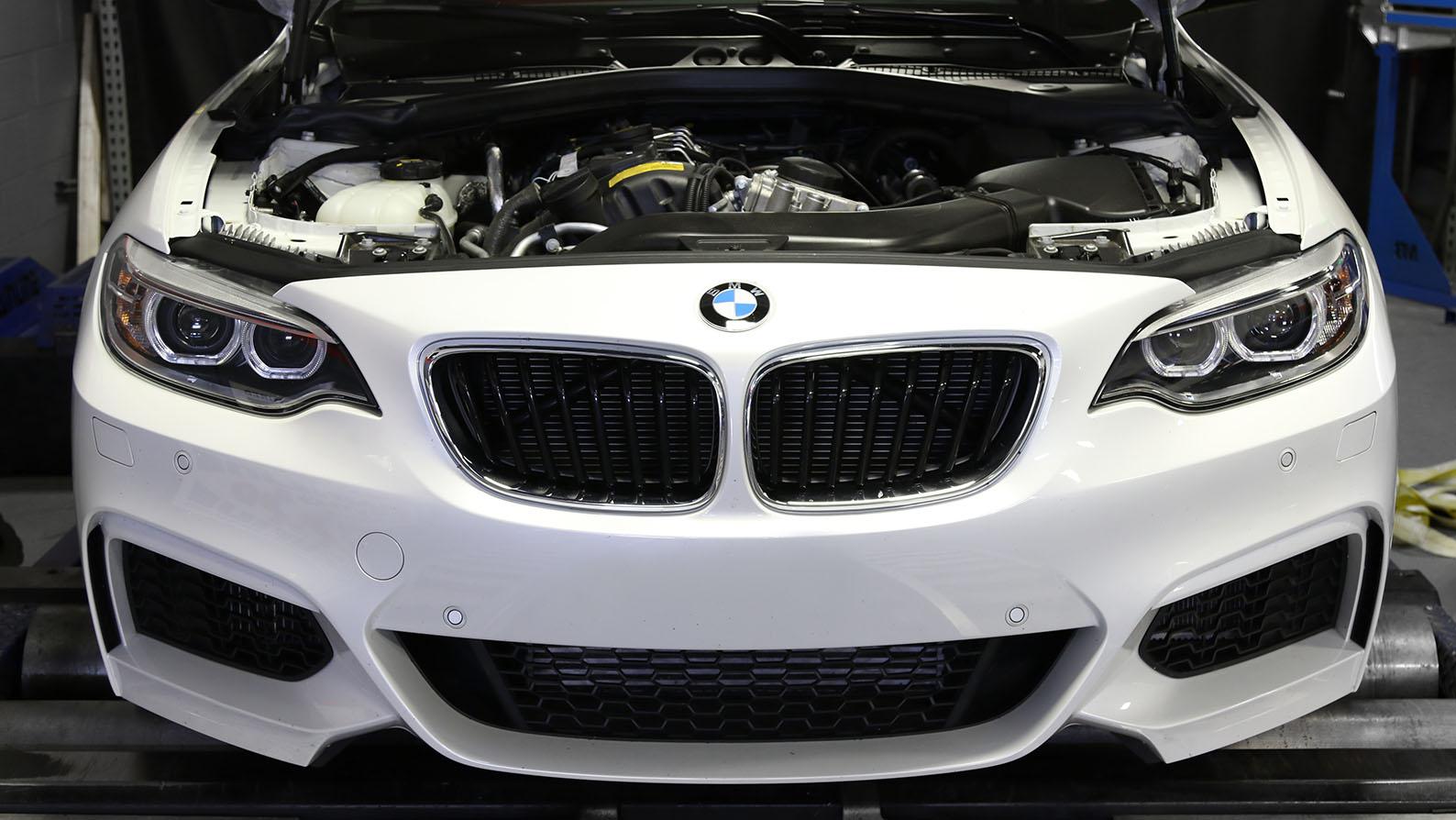 Name:  M235i-BMW-White_0006_9D6A0295.jpg Views: 13985 Size:  224.1 KB