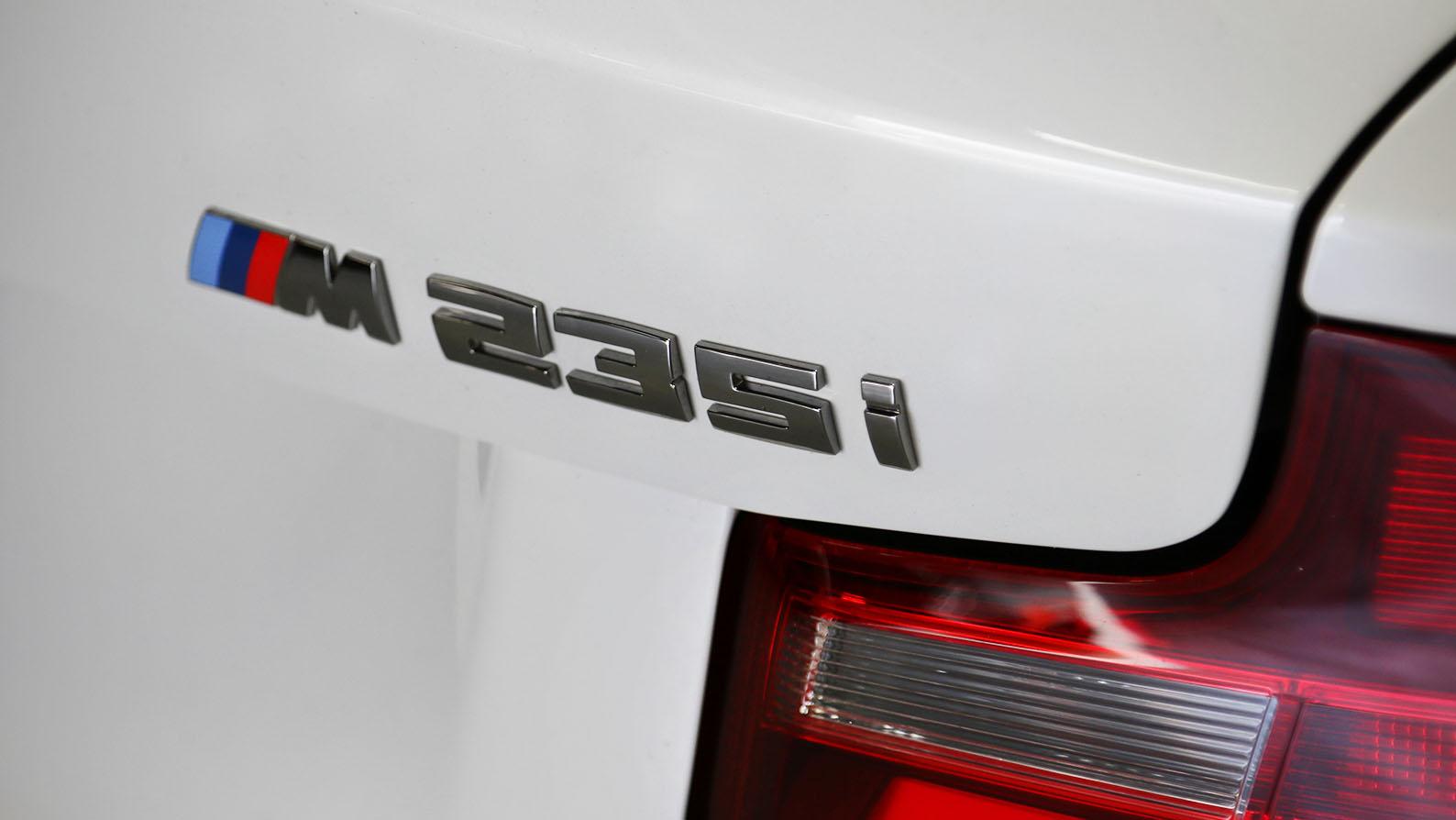 Name:  M235i-BMW-White_0004_9D6A0316.jpg Views: 13715 Size:  129.8 KB