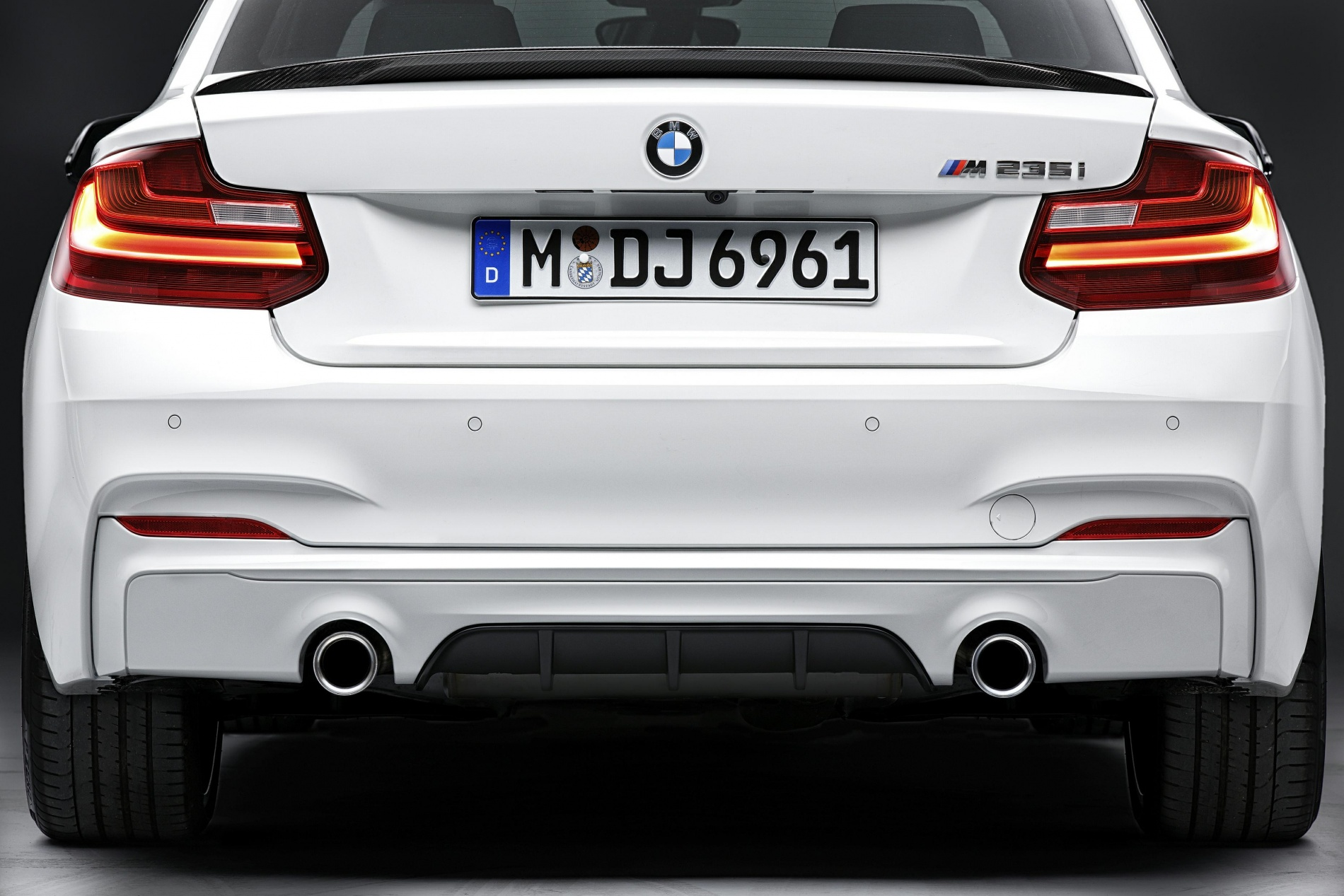 bmw 2 series m performance parts pricing and announcement by bmw na. Black Bedroom Furniture Sets. Home Design Ideas